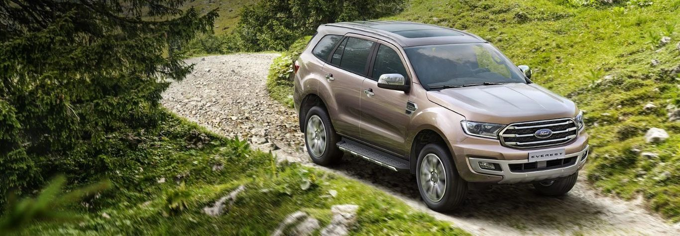 Ford-Everest-manh-me-dot-pha
