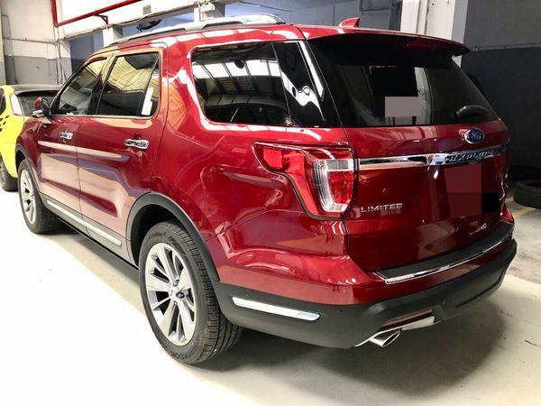 den-duoi-xe-ford-explorer-1